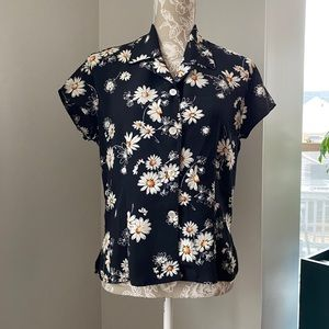 Vintage Rampage Clothing S/S Black Daisy Blouse